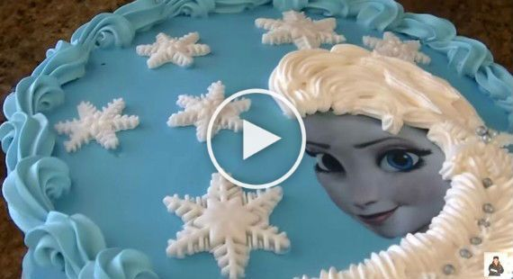 Hoy Jenny, te enseñará cómo hacer una tarta de la princesa Elsa de Frozen y ya verás lo fácil y rápida de hacer que es. Para hacer el rostro...