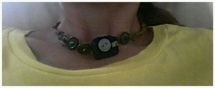 Button-me green/orange/blue necklace.