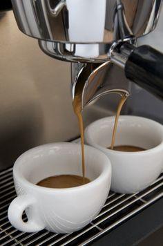 Wir testen die beste Siebträgermaschine 2015. Espressomaschinen im Test mit Erfahrungsberichten und Tipps wo man die Siebträgermaschinen günstig kaufen kann
