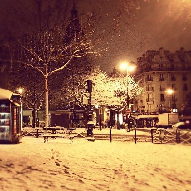 Paris Under Snow - Très Bon!