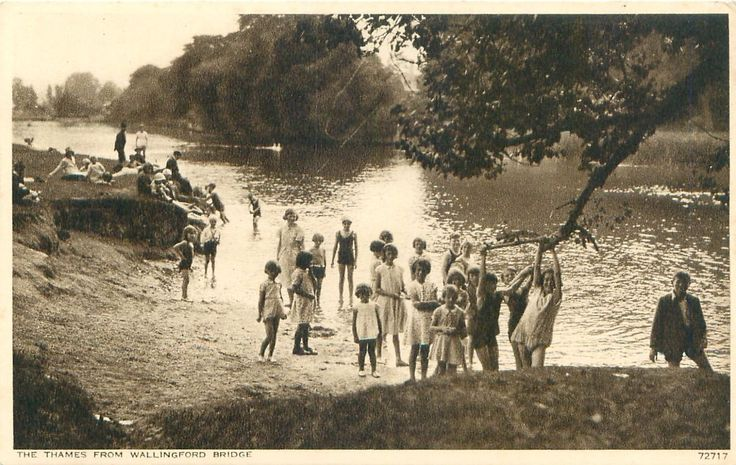 THE THAMES FROM WALLINGFORD BRIDGE OXFORDSHIRE UK PHOTO POSTCARD CHILDREN PLAY | eBay