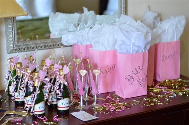 Tips on how to make sure your hotel bachelorette party is for Decor your hotel