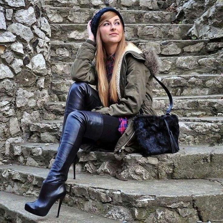 High heels boots