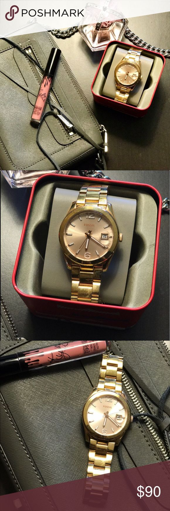 Fossil gold watch Super cute fossil gold watch. Not too heavy on wrist. Has been worn a few times so there are slight marks on the metal but nothing on the face. Comes with box! Fossil Jewelry