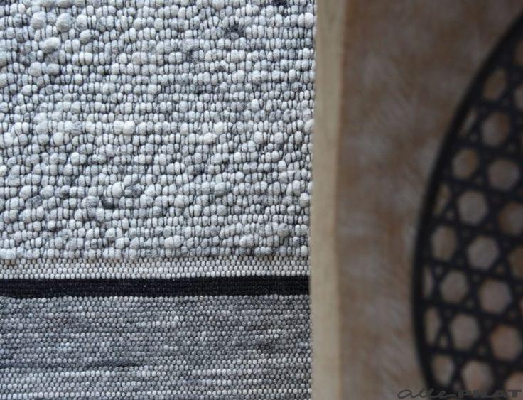 Gestreept karpet Zwart Wit gemaakt van 100% wol. Vloerkleden op maat gemaakt - Woonwinkel Alle Pilat