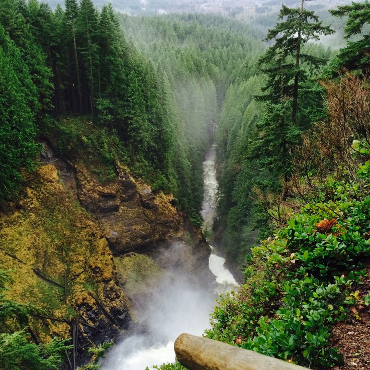 1 hr from Seattle. Falls hike. Recommended by Jesse M.