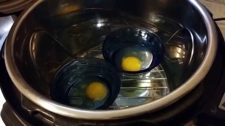 Poaching eggs in my Instant Pot! I got my Instant Pot on Amazon here: http://amzn.to/1mcNCfg *A note on affiliate links* I only share affiliate links for pro...