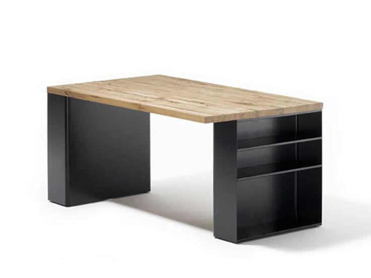 scrivania con librerie/scaffali integrati