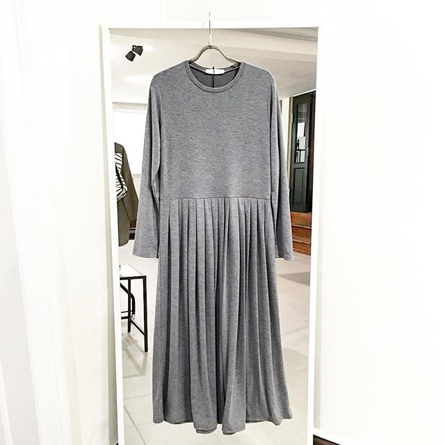 Comfy extra long pleated dress 750 DKK #SMUSMY Also available in black.