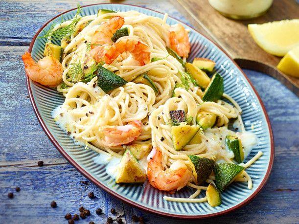 Unser beliebtes Rezept für Dinkel-Spaghetti mit Garnelen und Zitronensoße und mehr als 55.000 weitere kostenlose Rezepte auf LECKER.de.