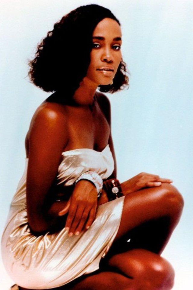 Young Whitney |... Young Whitney Houston