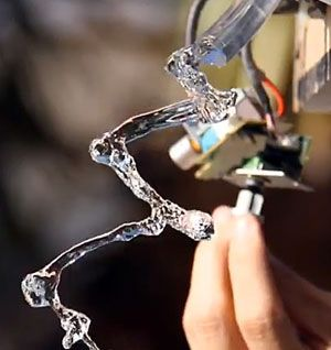 This magical water physics demonstration shows how the stroboscopic effect works (VIDEO)