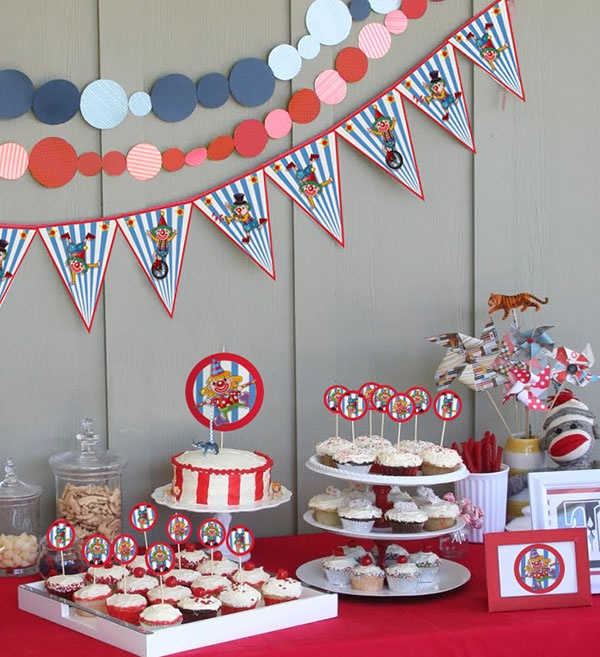 Free printable kit for a Circus party / Kit imprimible para una fiesta de Circo