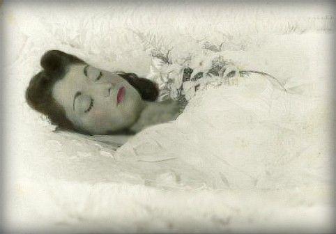 Celebrity death morgue photos of titanic dead