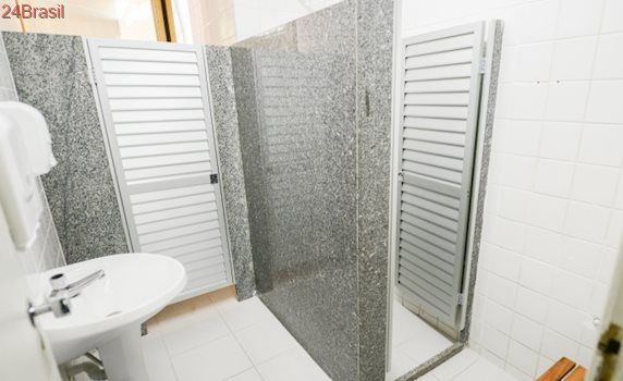 Parques, praças e praias vão ganhar banheiros, vestiários e chuveiros em Vitória