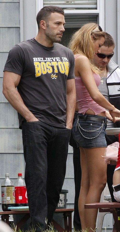 Hot damn. I believe in Boston now. Good grief Ben Affleck is sexy. #mancandy