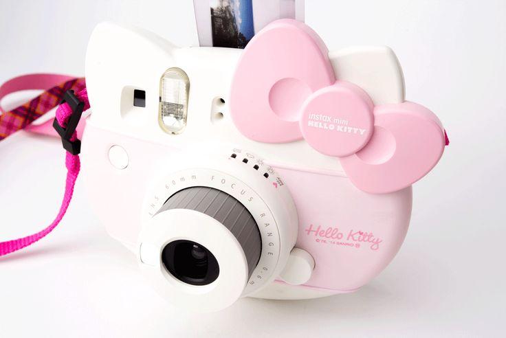 Die Fuji Instax Mini Hello Kitty Sofortbildkamera hat ein außergewöhnlich süßes Design - So fallt ihr garantiert positiv auf