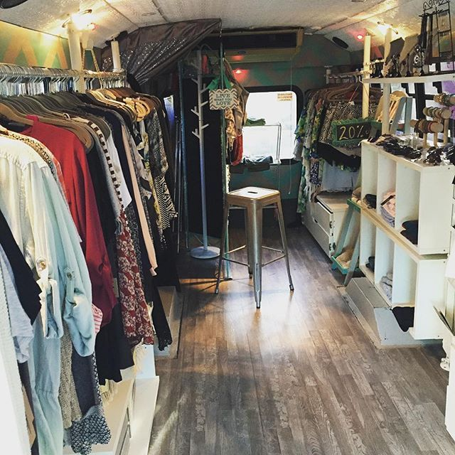 25 Best Ideas About Mobile Fashion Truck On Pinterest