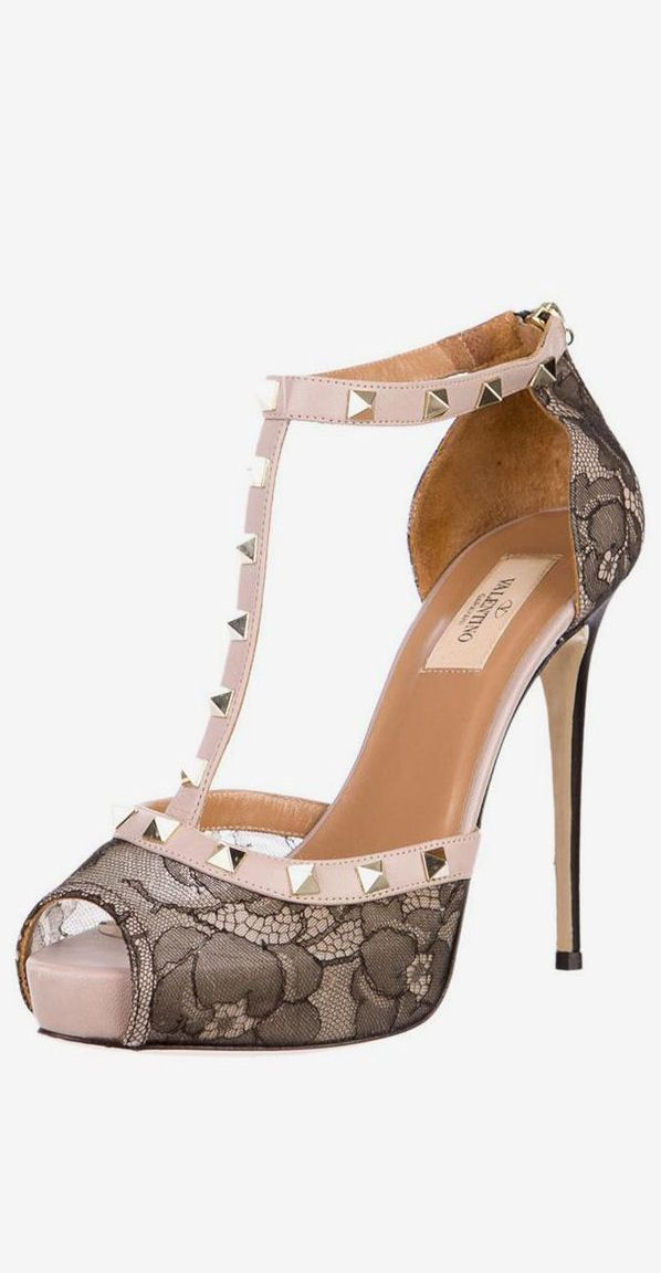 Valentino Blush & Lace Rockstud Pumps ♥