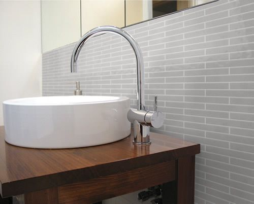 61 best vdp bathroom images on pinterest bathroom for Sink splashback ideas