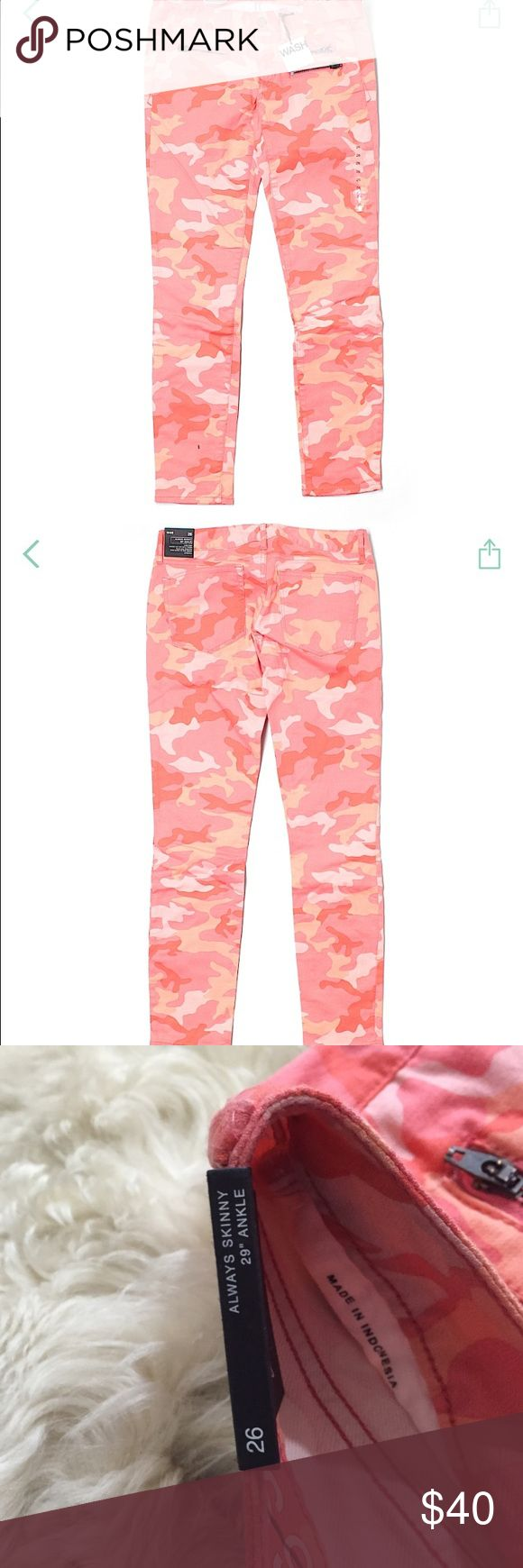 "NWT Gap camouflage always skinny 1969 jeans Sz 26 New with tags. 29"" ankle. Size 26. Camouflage pink/peach/salmon cakes color. GAP Jeans Skinny"
