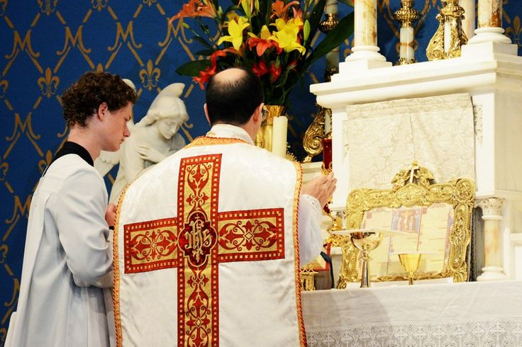http://fssp.com/press/wp-content/uploads/2014/10/2014-10_dallas-christ-the-king_18.jpg