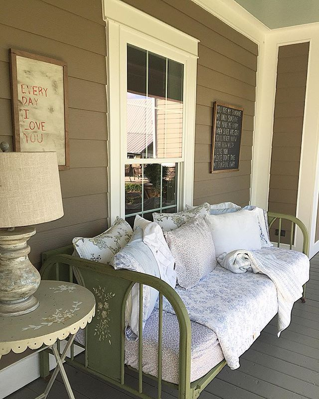 Love the daybed on the porch eclecticallyvintage.com