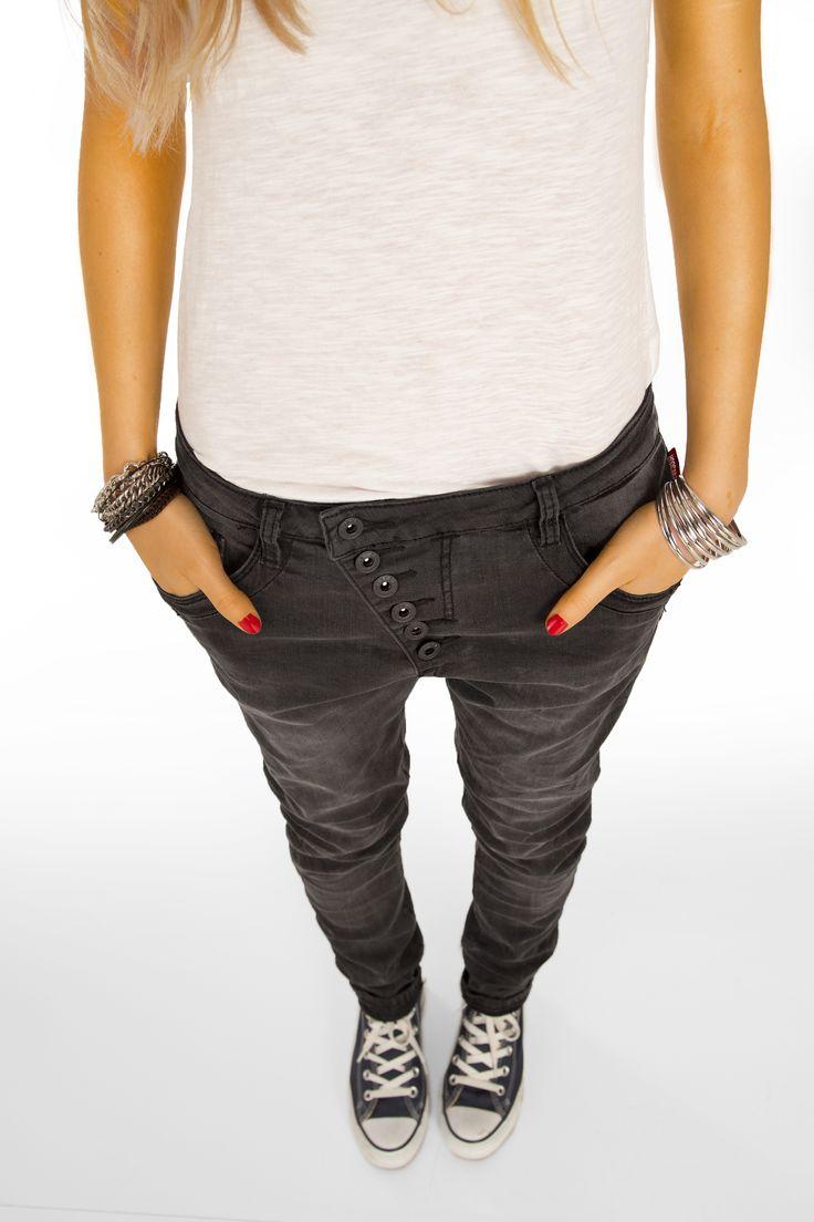 http://www.bestyledberlin.de/index.php/boyfriend-style-damen-jeans-skater-hose-im-relaxed-fit-mit-langer-knopfleiste-j01g.html