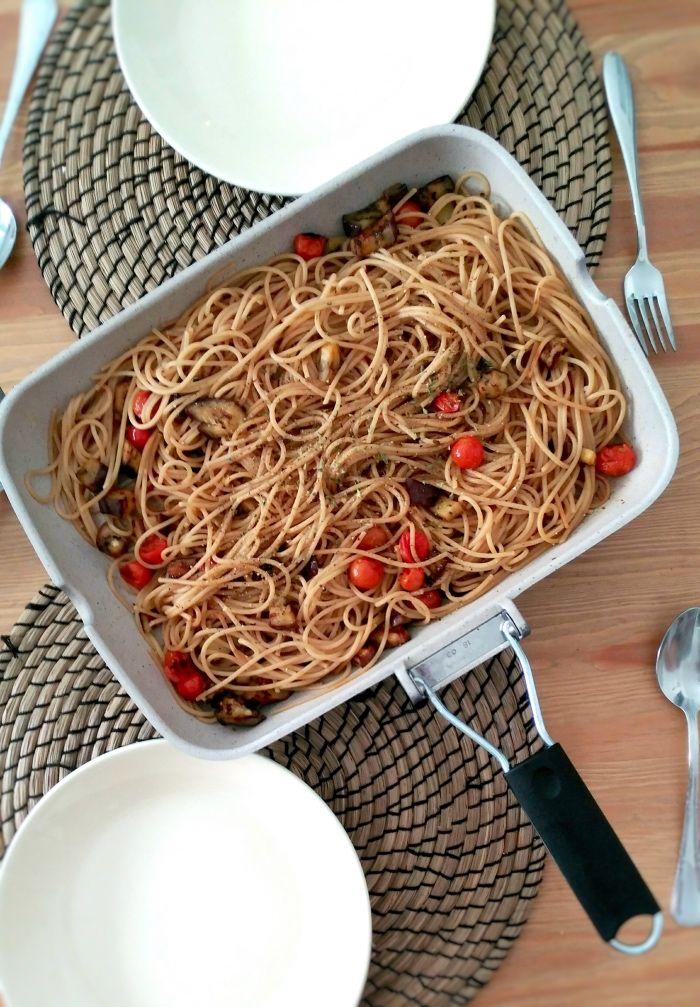 Una Pizca De Hogar Receta De Espaguetis Integrales Con Verduras Sanos Ricos Y Saludables Comida Integral Pasta Integral Recetas Recetas De Espaguetis
