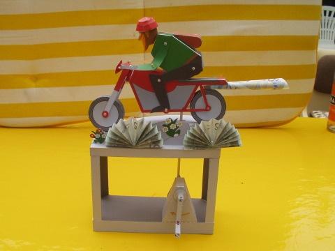 die besten 17 ideen zu geldgeschenk motorrad auf pinterest neujahrsw nsche originelle herren. Black Bedroom Furniture Sets. Home Design Ideas