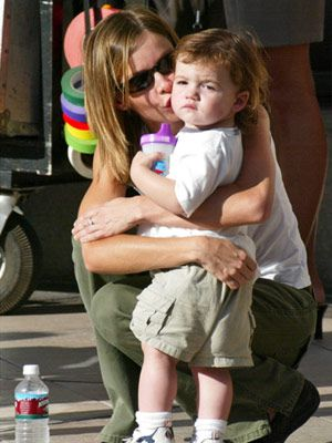 6 Celebrity Mom Style Tips: Dress down, but not out