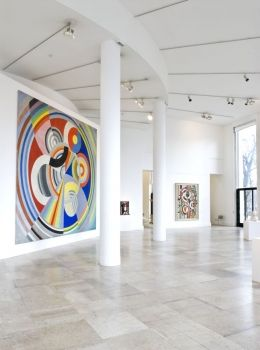 See a contemporary art exhibition at Musée d'Art Moderne