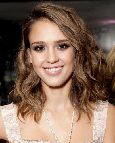 Jessica Alba's long bob. and the lavender smokey eye thing she has going on.