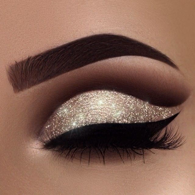 "6,692 Likes, 162 Comments -  Swetlana Petuhova (@swetlanapetuhova) on Instagram: ""A little New Year inspiration for you ✨ yes, I'm addicted to glitter ❤️ Brows:…"""