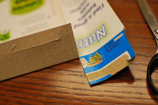 How to make a cereal box shipping envelope