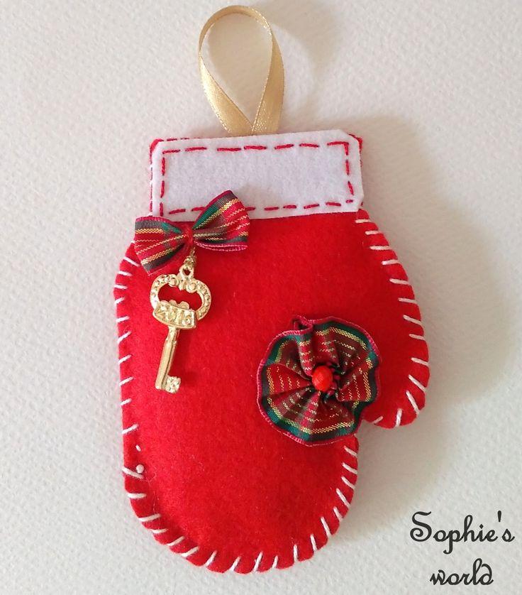 Γούρι 2016! γαντάκι κόκκινο ραμμένο στο χέρι με διακόσμηση handmade lucky xmas Christmas  https://www.facebook.com/Sophies-world-712091558842001/