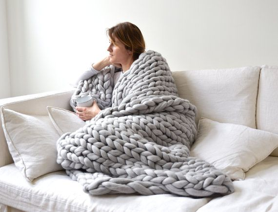 17 meilleures id es propos de grosses mailles sur pinterest tricots tricot et crochet et laine - Couverture tricot grosse maille ...