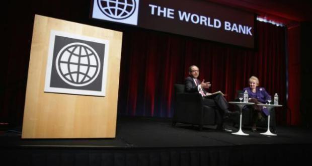 La Banque mondiale (BM) a fortement abaissé mercredi sa prévision de croissance sur le globe pour 20...
