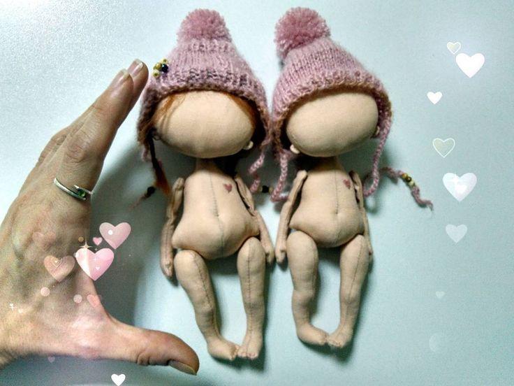 Доброе Утро )Многие спрашивают о размерах моих кукол.. Фото собственно для понятия размера ну и просто люблю когда красиво не только в одежде