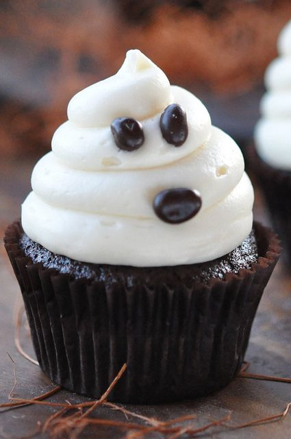 I want to eat this cupcake! #desserts