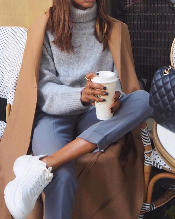 Balenciaga sneaks and Starbucks, what could be better?! #fashioninspo #2019trends – Mirna Minkoff