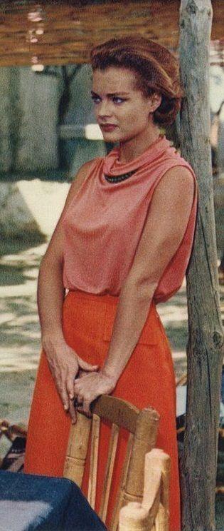 """Romy in """"Halb elf in einer Sommernacht""""16 #icon #RomySchneider #coral #pink #orange #vintage // May"""