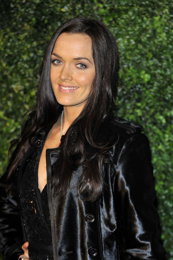 http://www.hawtcelebs.com/wp-content/uploads/2012/11/VICTORIA-PENDLETON-at-58th-Evening-Standard-Theatre-Awards-in-London-6.jpg
