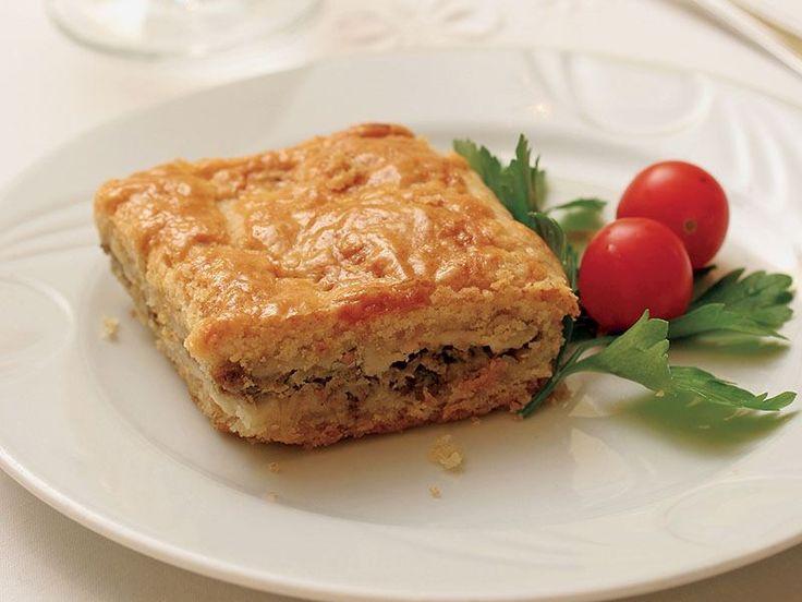 Selanik mutfağına özel patlıcan pidesi ve üstelik kıymalı... #Maximiles #gurme #gurmeseyahati #food #yemek #yemekler #seyahatrehberi #lezzetliyemekler #farklılezzetler