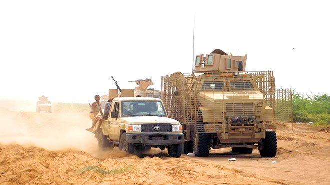 القوات المشتركة تعلن تدمير دبابة للحوثيين بقصف في الحديدة أعلنت القوات الحديدة الحوثيين القوات الجنوبية المشتركة Www Alayyam In In 2020 Trucks Vehicles Structures