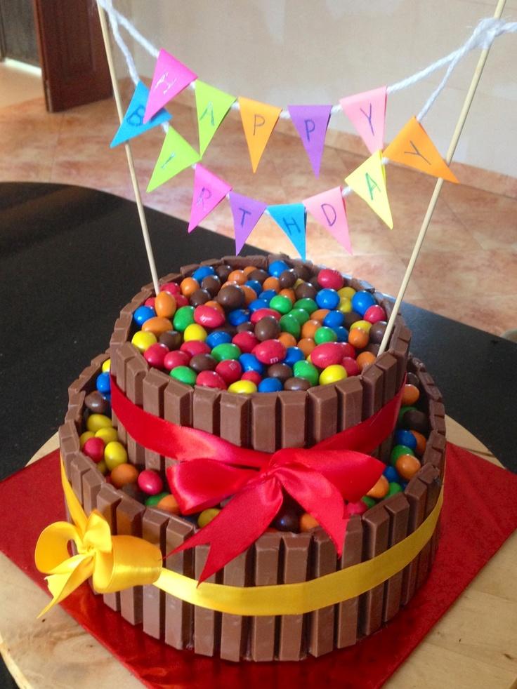 Kitkat cake by tayba bajaber