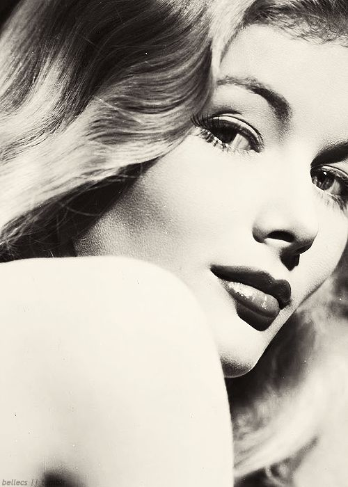 Veronica Lake publicity photo Golden Age of Hollywood