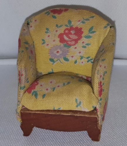 Vintage-KAGE-Armchair-1-16-scale-dollhouse-miniature-from-the-1940s
