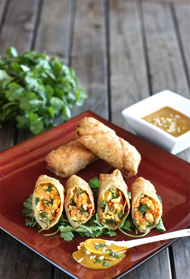 Thai Peanut and Chicken Eggrolls are great as a side dish or perfect party appetizer! | Recipe from The Hopeless Housewife