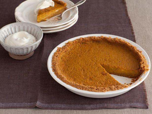 Bobby Flay's throwdown pumpkin pie with grahm cracker crust! So on the ...